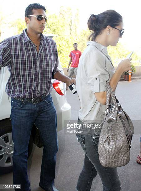Lara Dutta and husband Mahesh Bhupathi spotted at Mumbai Airport