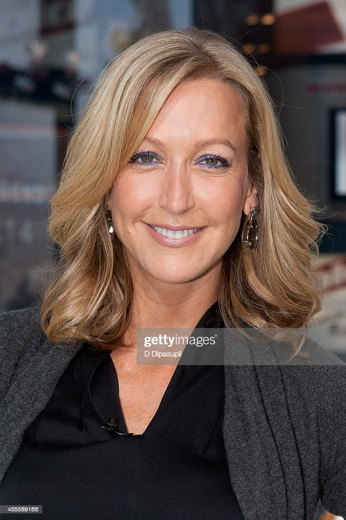 lara spencer visits 39 extra 39 at their new york studios at h m in t