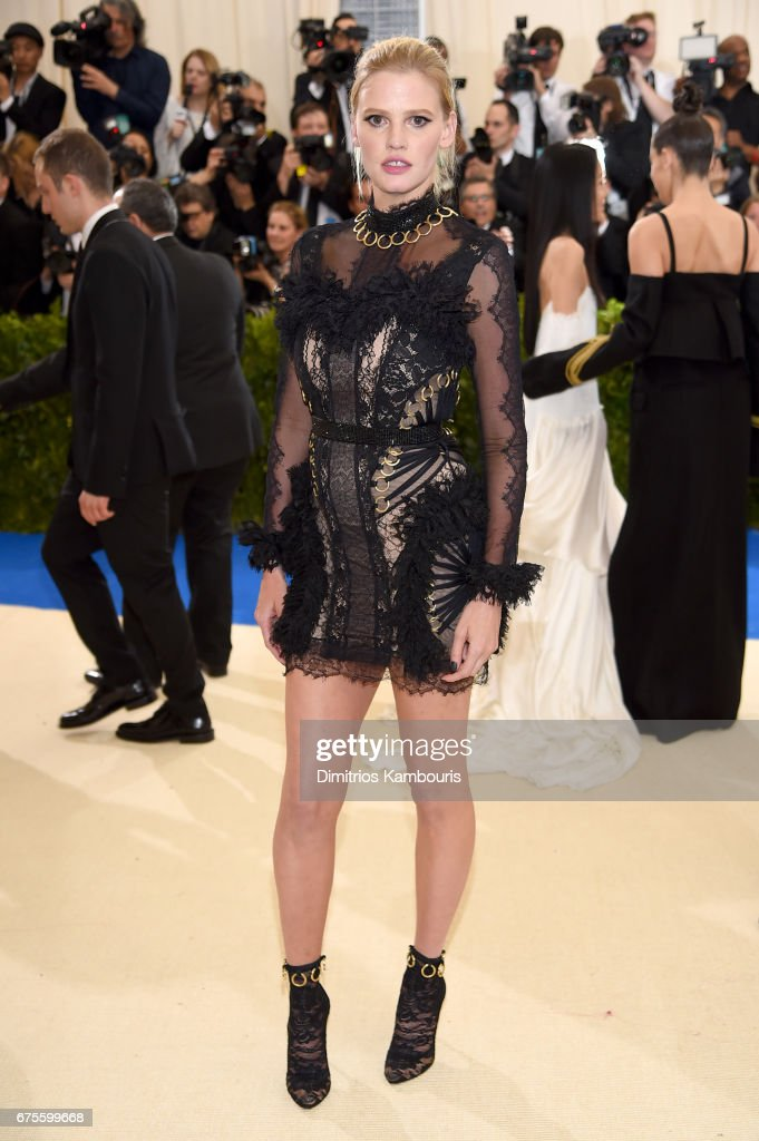 Lara Stone attends the 'Rei Kawakubo/Comme des Garcons: Art Of The In-Between' Costume Institute Gala at Metropolitan Museum of Art on May 1, 2017 in New York City.