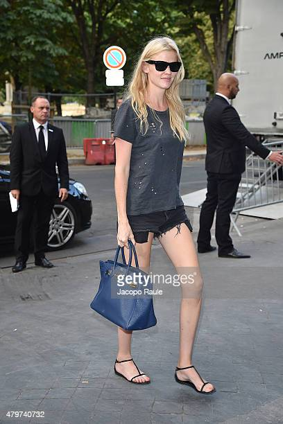 Lara Stone is seen arrving at Chanel Fashion Show during Paris Fashion Week Haute Couture Fall/Winter 15/16 Day Three on July 7 2015 in Paris France