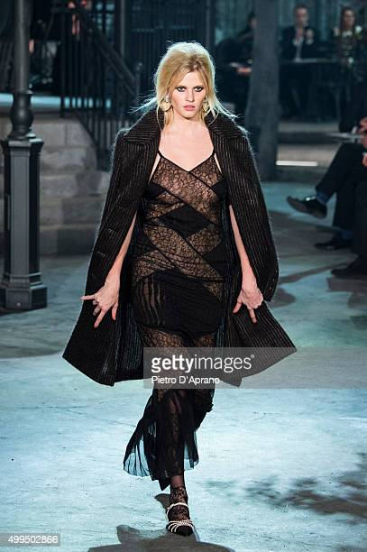Lara Stone walks the runway during the Chanel Metiers d'Art 2015/16 Fashion Show at Cinecitta on December 1 2015 in Rome Italy