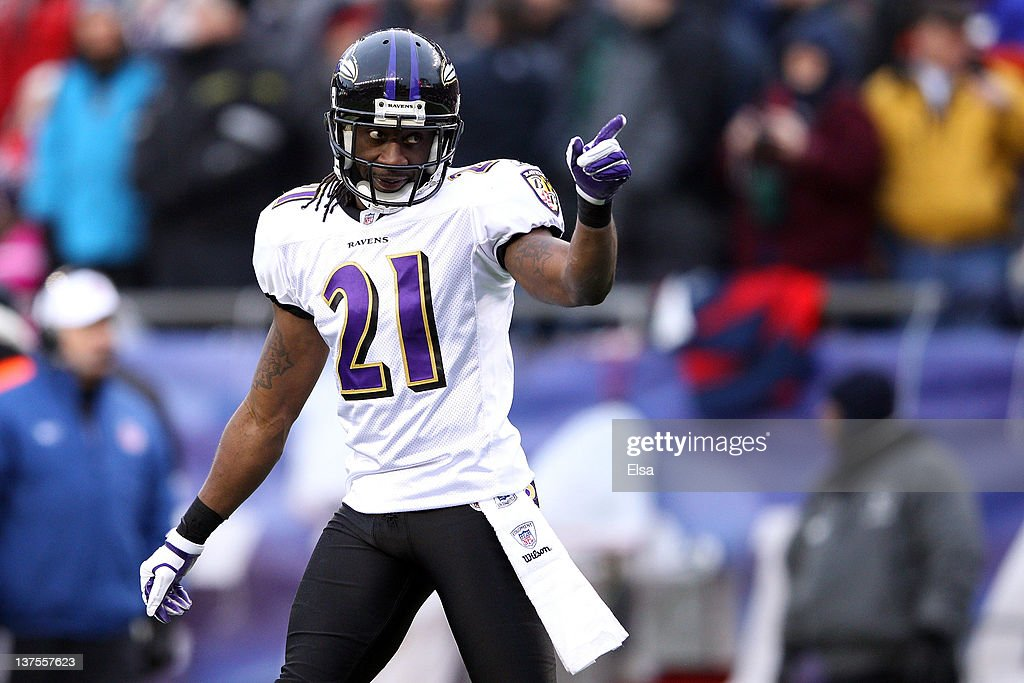 <a gi-track='captionPersonalityLinkClicked' href=/galleries/search?phrase=Lardarius+Webb&family=editorial&specificpeople=5735454 ng-click='$event.stopPropagation()'>Lardarius Webb</a> #21 of the Baltimore Ravens reacts after a play against the New England Patriots during their AFC Championship Game at Gillette Stadium on January 22, 2012 in Foxboro, Massachusetts.