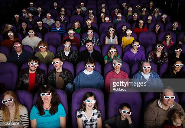 Large public dans un cinéma