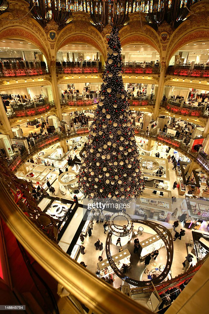 keywords - Large Christmas Tree
