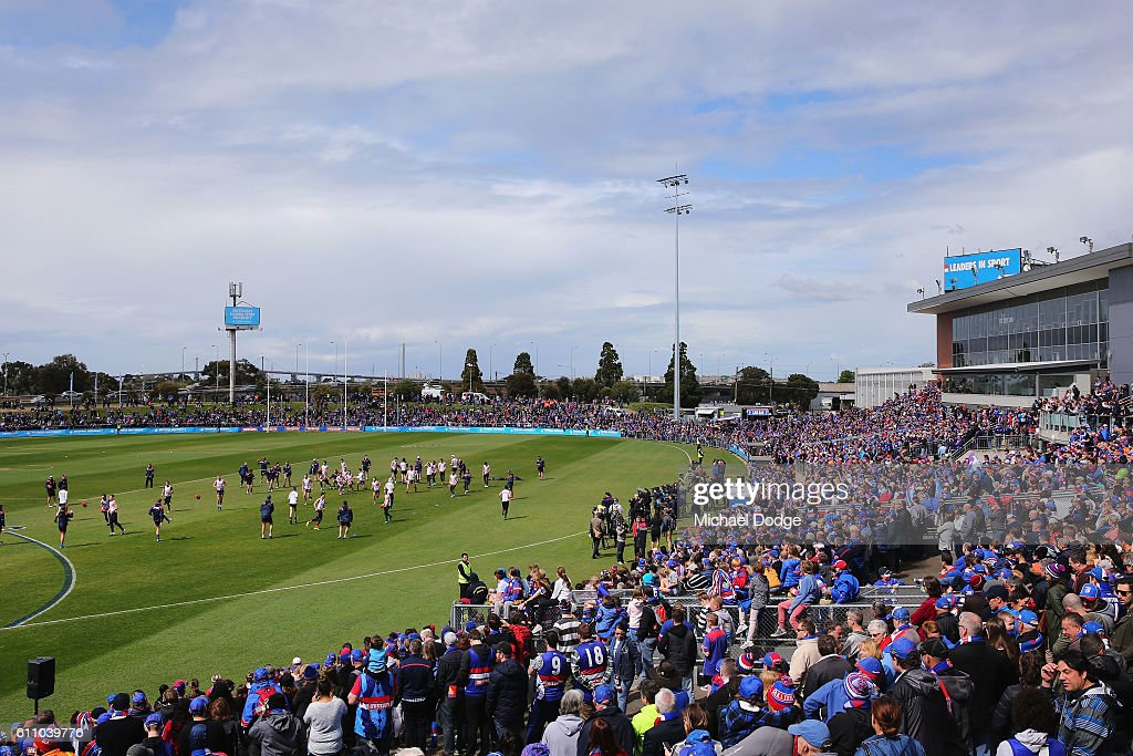 A large crowd in attendance is seen during the Western Bulldogs AFL media opportunity and training session at Whitten Oval on September 29, 2016 in Melbourne, Australia.