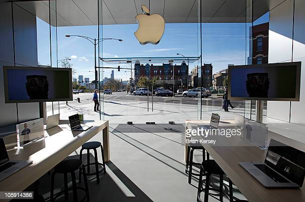 A large glass window wall extends floor to ceiling at the new Apple Store on October 21 2010 in Chicago Illinois The new store opens on October 23 in...