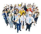 Grand groupe de personnes avec différentes Métier