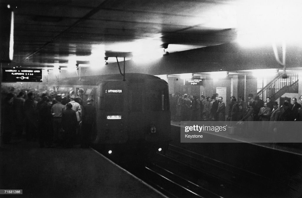 Large numbers of people using the underground system to get around London during a period of heavy smog which hampered transport on the roads 8th...