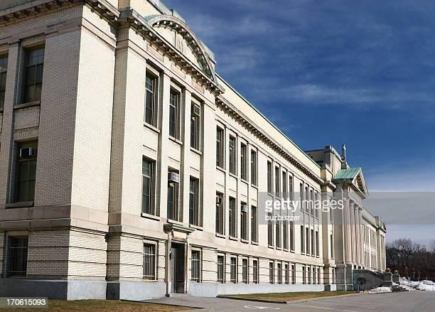 モントリオールで大学校