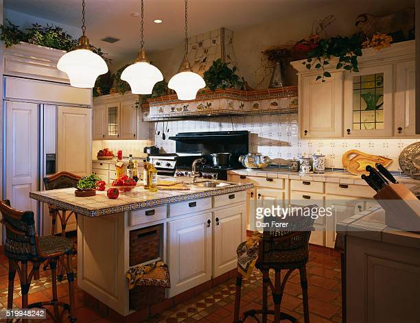 Large Traditional Kitchen