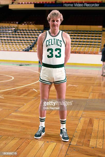 Larry Bird of the Boston Celtics stands on the court circa 1986 at the Boston Garden in Boston Massachusetts NOTE TO USER User expressly acknowledges...
