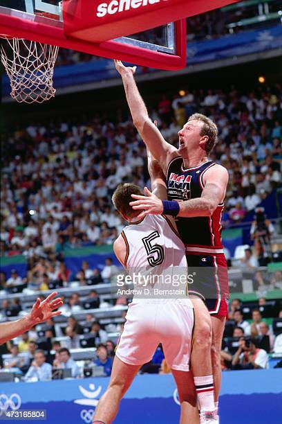 Larry Bird of the US Mens Olympic Basketball Team shoots the ball circa 1992 during the 1992 Summer Olympics at Pavelló Olímpic de Badalona in...
