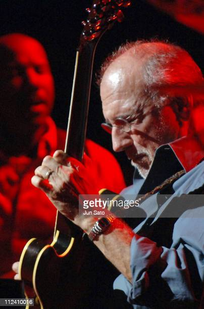 Larry Carlton Stock Photos And Pictures Getty Images