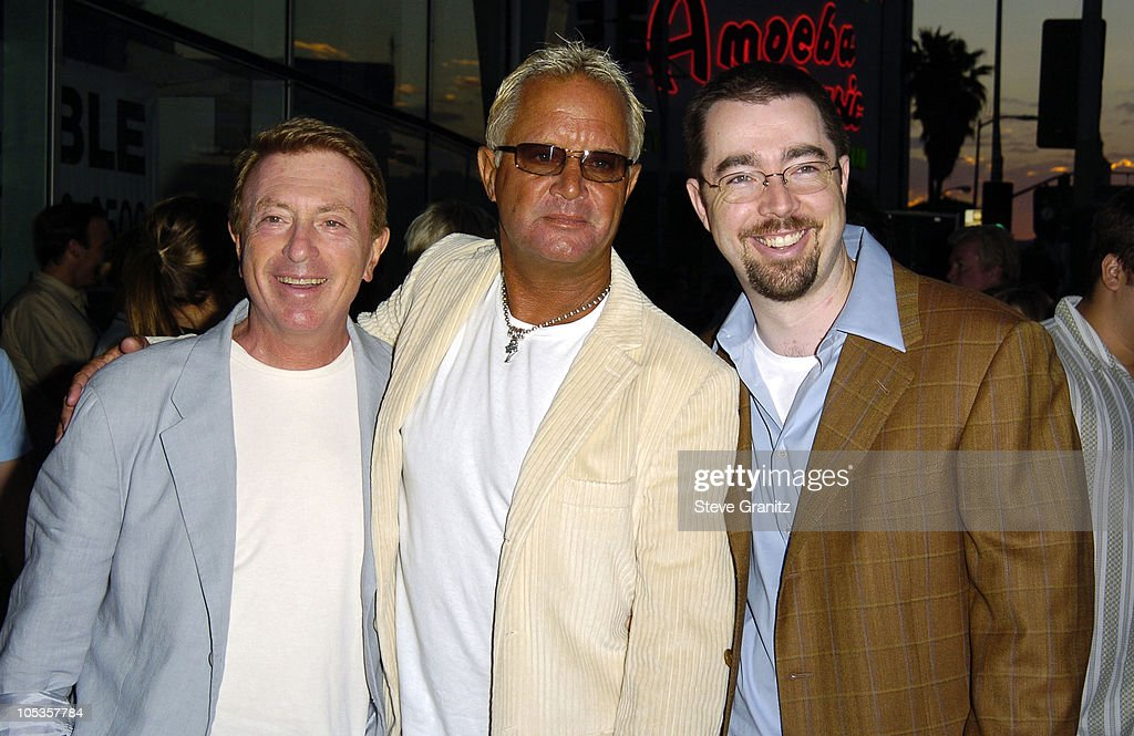 <a gi-track='captionPersonalityLinkClicked' href=/galleries/search?phrase=Larry+Cohen&family=editorial&specificpeople=238848 ng-click='$event.stopPropagation()'>Larry Cohen</a>, David Richard Ellis, director and Chris Morgan
