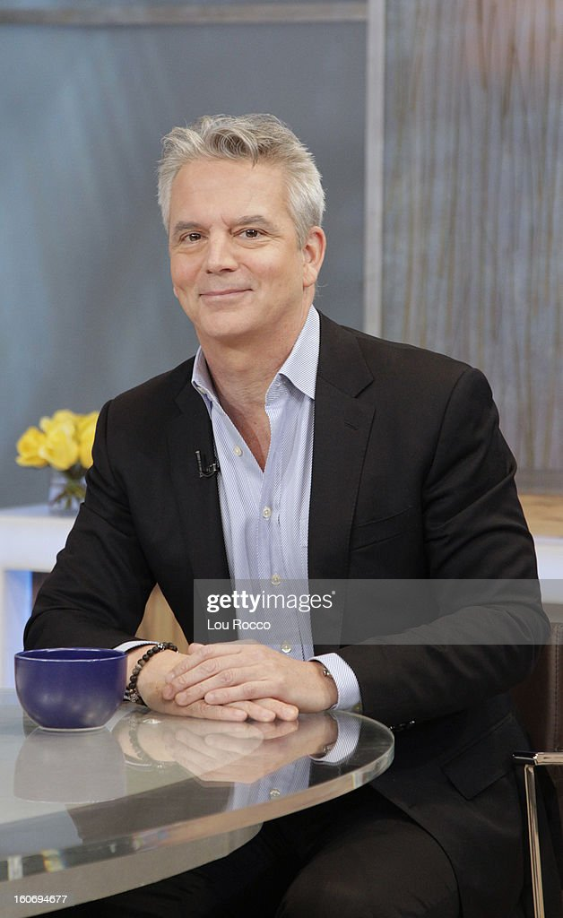 AMERICA - Larry Hackett of People Magazine is a guest on 'Good Morning America,' 2/4/13, airing on the ABC Television Network. (Photo by Lou Rocco/ABC via Getty Images) LARRY