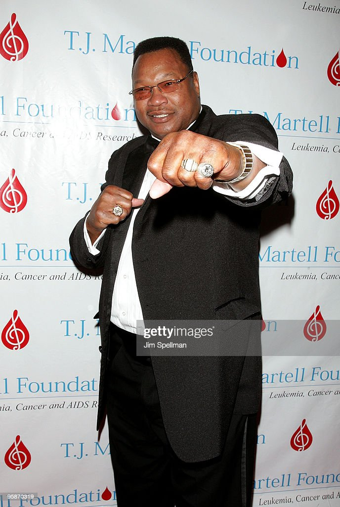 Larry Holmes arrives at the 32nd Annual T.J. Martell Foundation Gala at the New York Hilton and Towers On October 23, 2007 in New York City.
