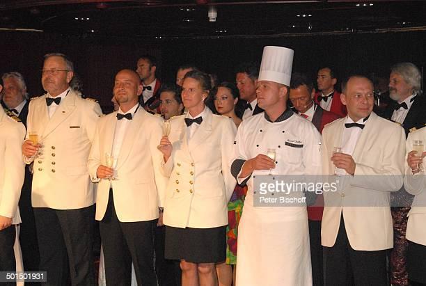 Larry Jackson Kreuzfahrtschiff MS 'Astoria' Luxusliner Schiff unter Deck SektEmpfang Alkohol Champagner Glas Uniform Promi AS DIG PNr 604/2008