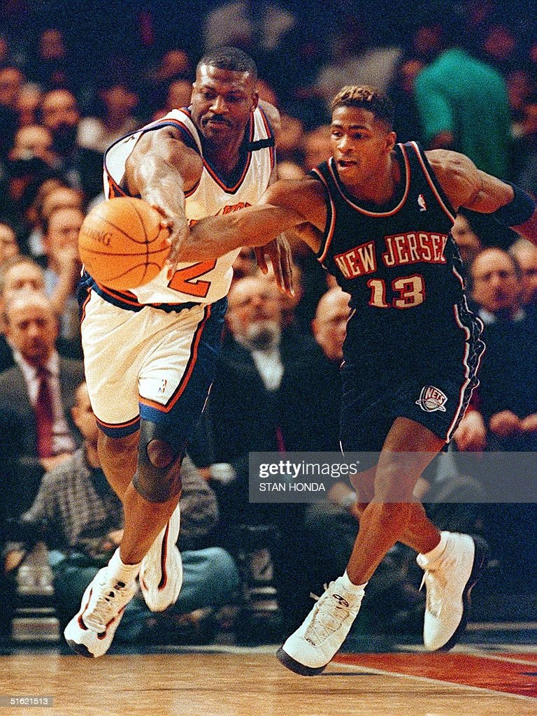 Larry Johnson of the New York Knicks L and Kenda