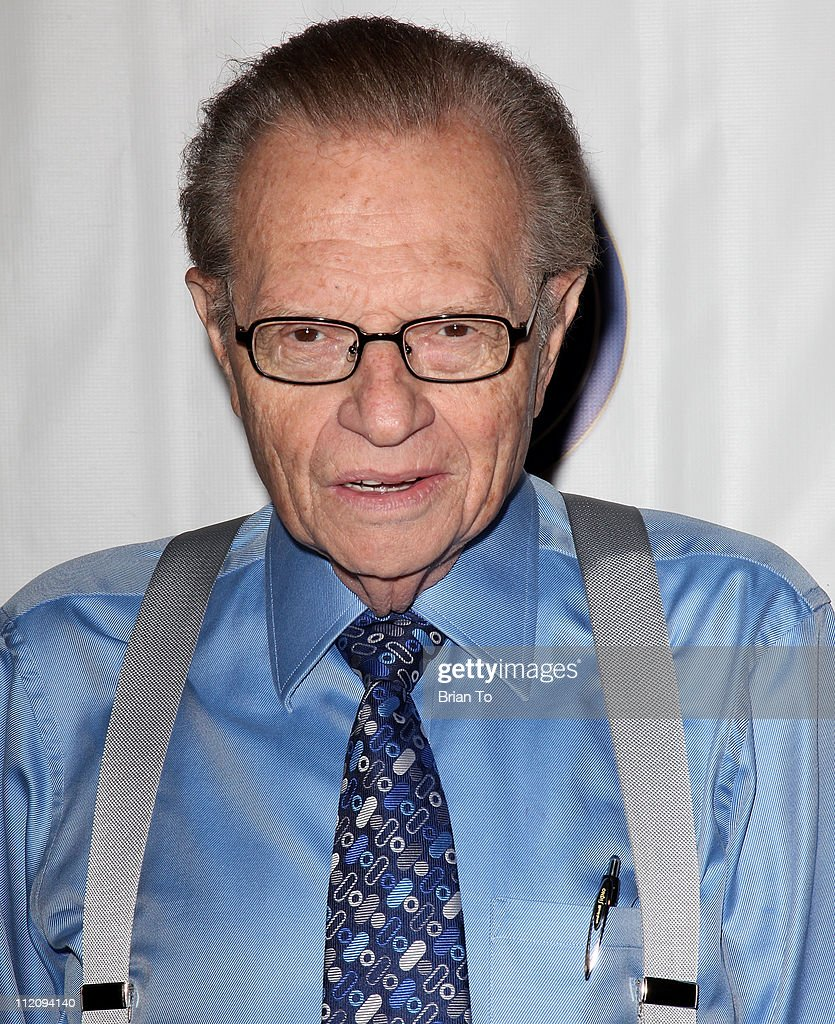 Larry King attends HRTS presents the 'Unscripted Hitmakers' newsmaker luncheon at The Beverly Hilton - larry-king-attends-hrts-presents-the-unscripted-hitmakers-newsmaker-picture-id112094140