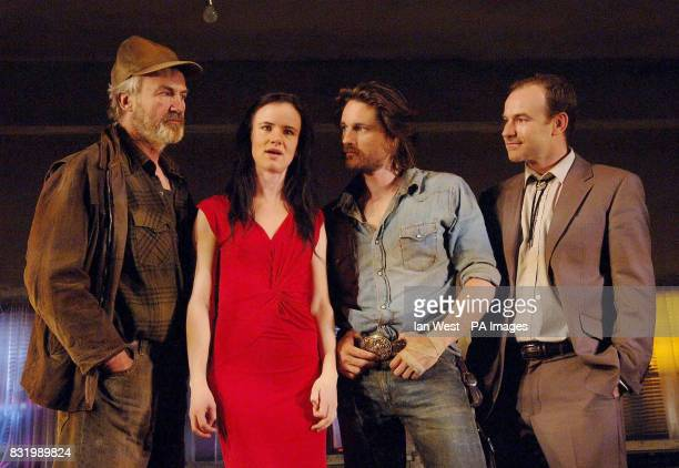 Larry Lamb Juliette Lewis Martin Henderson and Joe Duttine during a photocall for the new play Fool For Love at the Apollo Theatre London