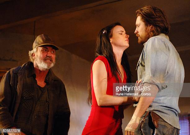 Larry LambJuliette Lewis and Martin Henderson attend a photocall for Fool For Love at The Apollo TheatreLondonUKLondonUK