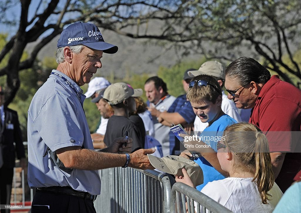 <a gi-track='captionPersonalityLinkClicked' href=/galleries/search?phrase=Larry+Mize&family=editorial&specificpeople=701275 ng-click='$event.stopPropagation()'>Larry Mize</a> signs autographs for fans during the third round of the Charles Schwab Cup Championship at Desert Mountain Club (Cochise) on November 3, 2012 in Scottsdale, Arizona.