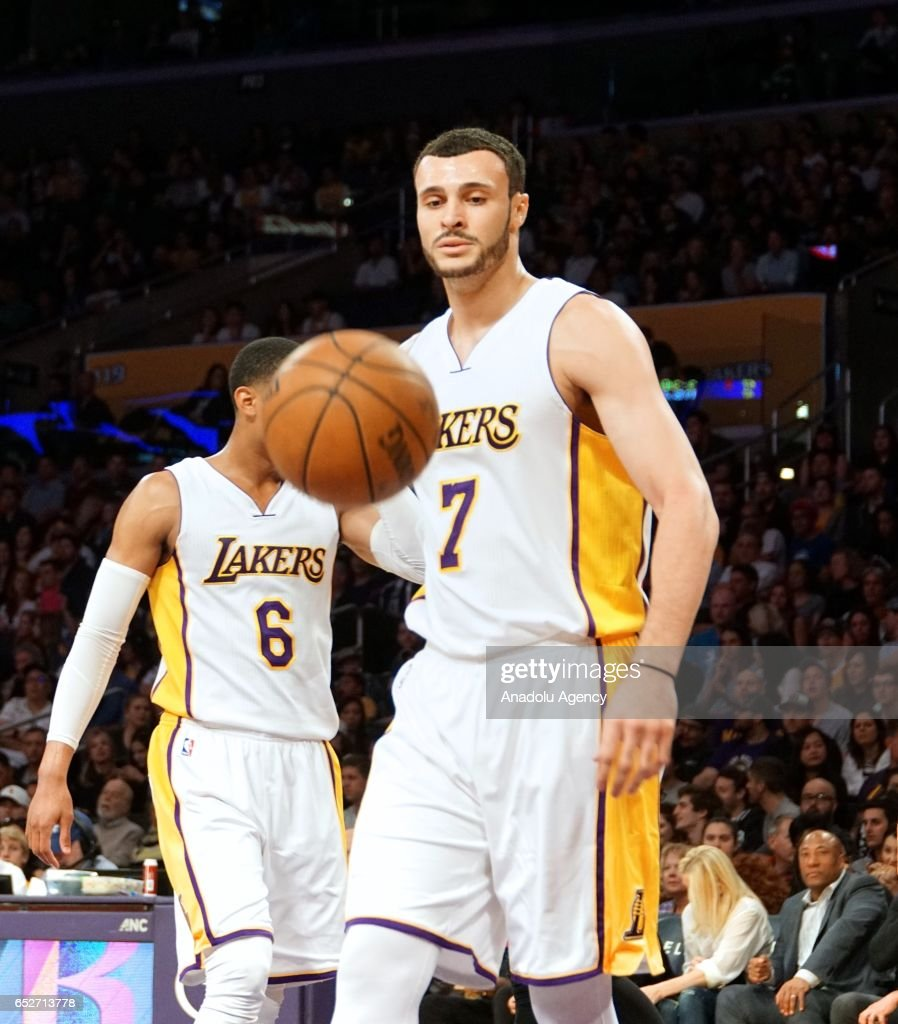Los Angeles Lakers vs Philadelphia 76ers NBA