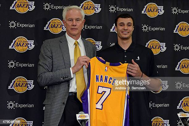 Larry Nance Jr of the Los Angeles Lakers poses for a photo with Lakers GM Mitch Kupchak at a press conference introducing draft picks at Toyota...