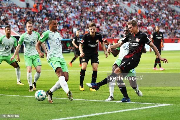 Lars Bender of Bayer Leverkusen scores a goal during the Bundesliga match between Bayer 04 Leverkusen and VfL Wolfsburg at BayArena on October 15...