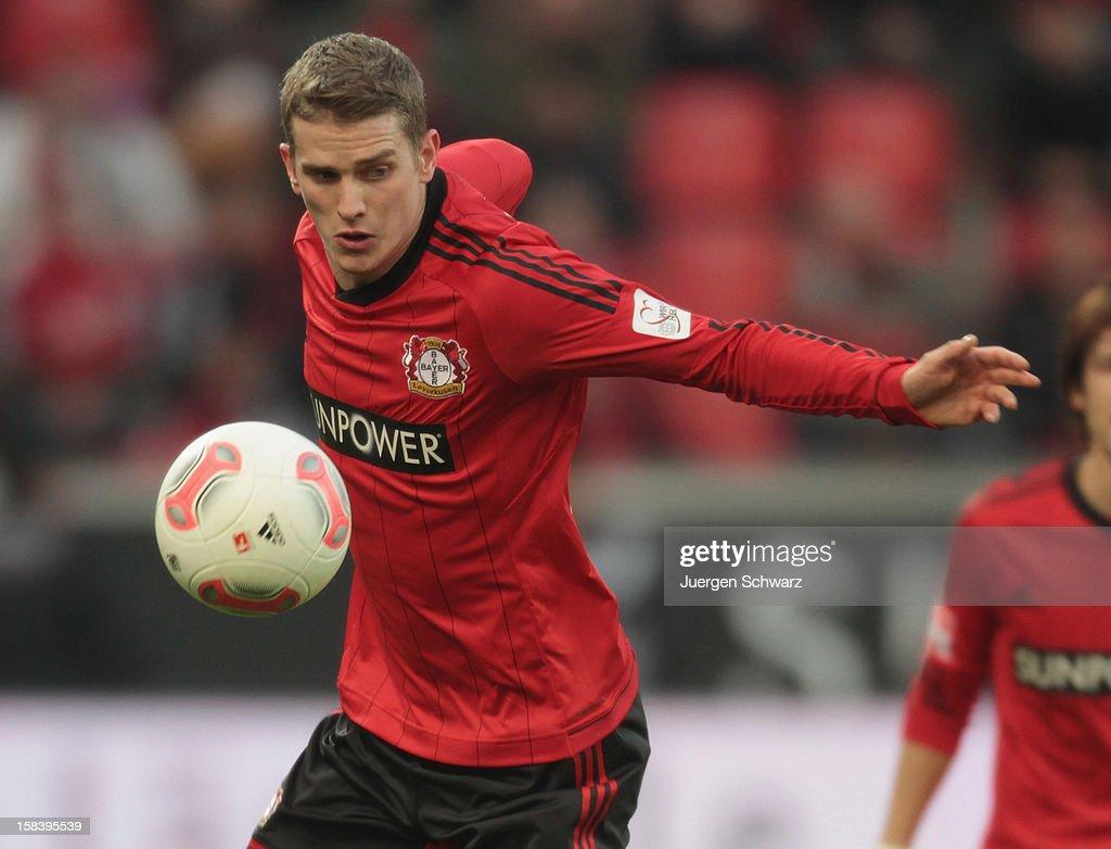 Lars Bender of Leverkusen controls the ball during the Bundesliga match between Bayer Leverkusen and Hamburger SV at BayArena on December 15, 2012 in Leverkusen, Germany.