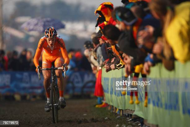 Lars Boom of the Netherlands on his way to victory in the men's elite race during the UCI Cyclo Cross World Championship at Lago Le Bandie on January...