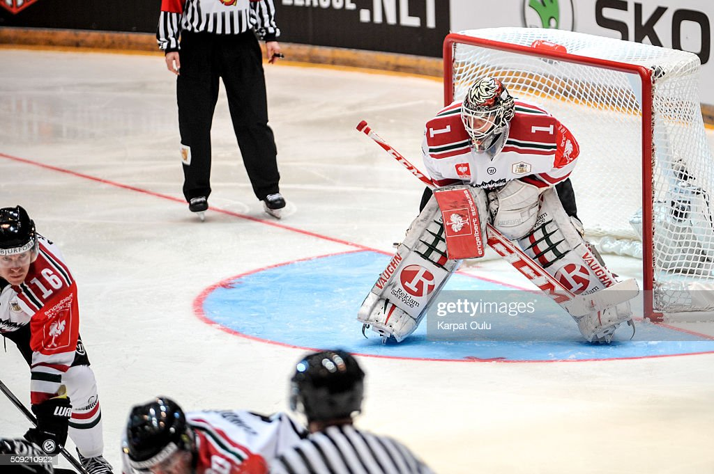 Lars Johansson #1 of Frolunda Gothenburg, 18 saves and one let goal during the Champions Hockey League final between Karpat Oulu and Frolunda Gothenburg at Oulun Energia-Areena on February 9, 2016 in Oulu, Finland.