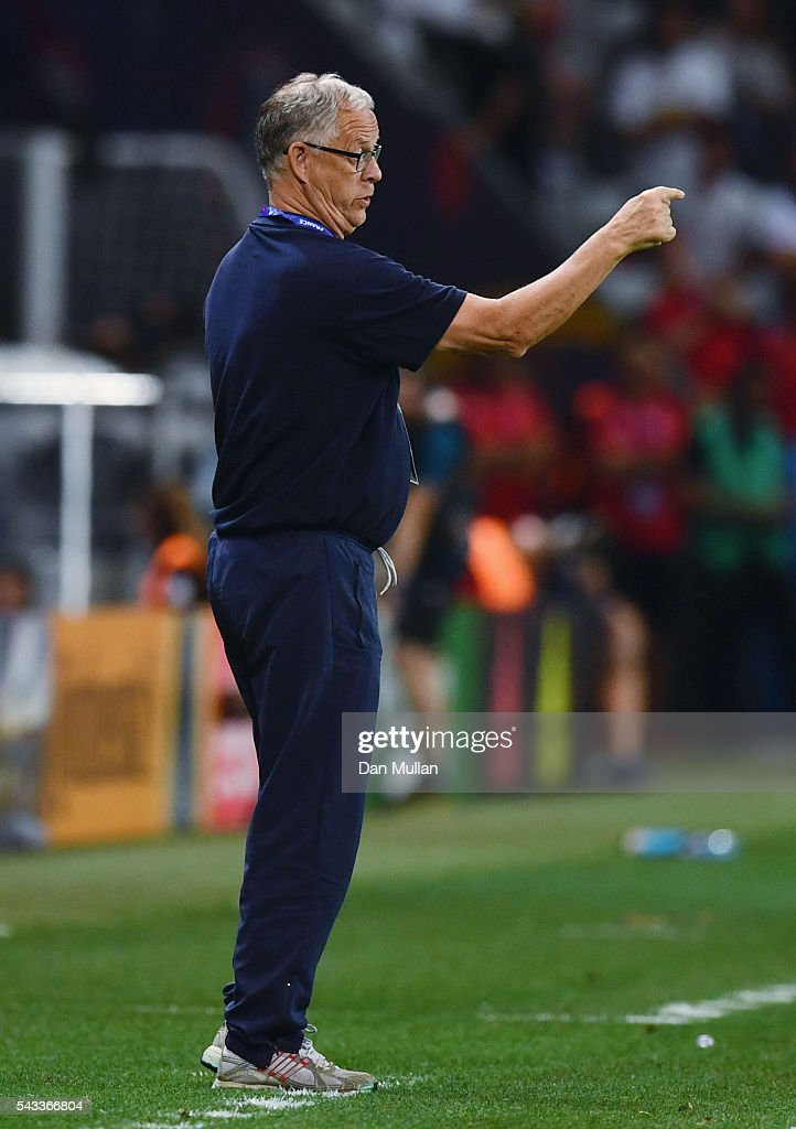 <a gi-track='captionPersonalityLinkClicked' href=/galleries/search?phrase=Lars+Lagerback&family=editorial&specificpeople=542148 ng-click='$event.stopPropagation()'>Lars Lagerback</a> head coach of Iceland gestures during the UEFA EURO 2016 round of 16 match between England and Iceland at Allianz Riviera Stadium on June 27, 2016 in Nice, France.