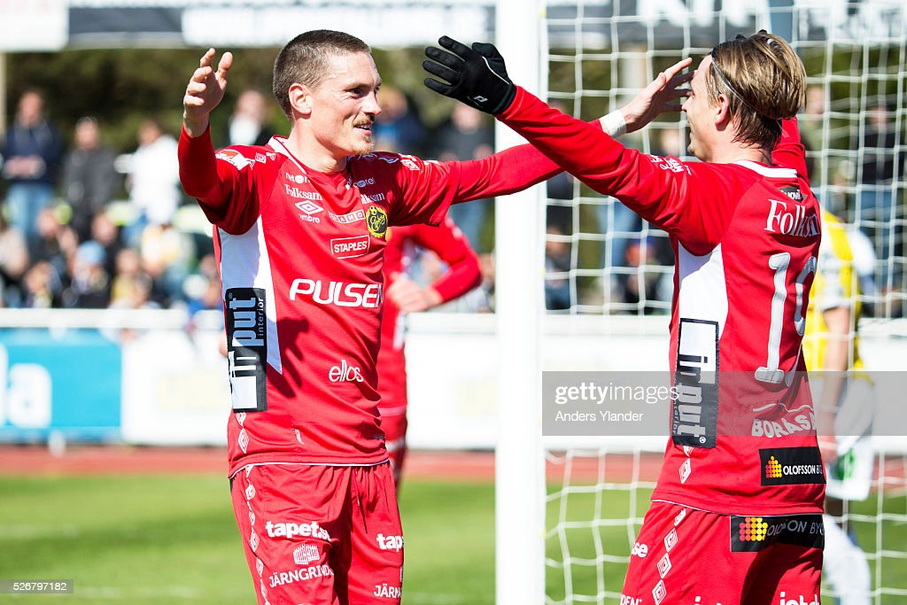 Lars Nilsson of IF Elfsborg and Simon Hedlund of IF Elfsborg celabrates a goal (0-1) during the Allsvenskan match between Falkenbergs FF and IF Elfsborg at Falkenbergs IP on May 1, 2016 in Falkenberg, Sweden.