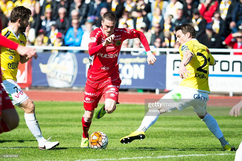 Lars Nilsson of IF Elfsborg, David Svensson of Falkenberg and Thomas Juel-Nielsen of Falkenberg in action during the Allsvenskan match between Falkenbergs FF and IF Elfsborg at Falkenbergs IP on May 1, 2016 in Falkenberg, Sweden.