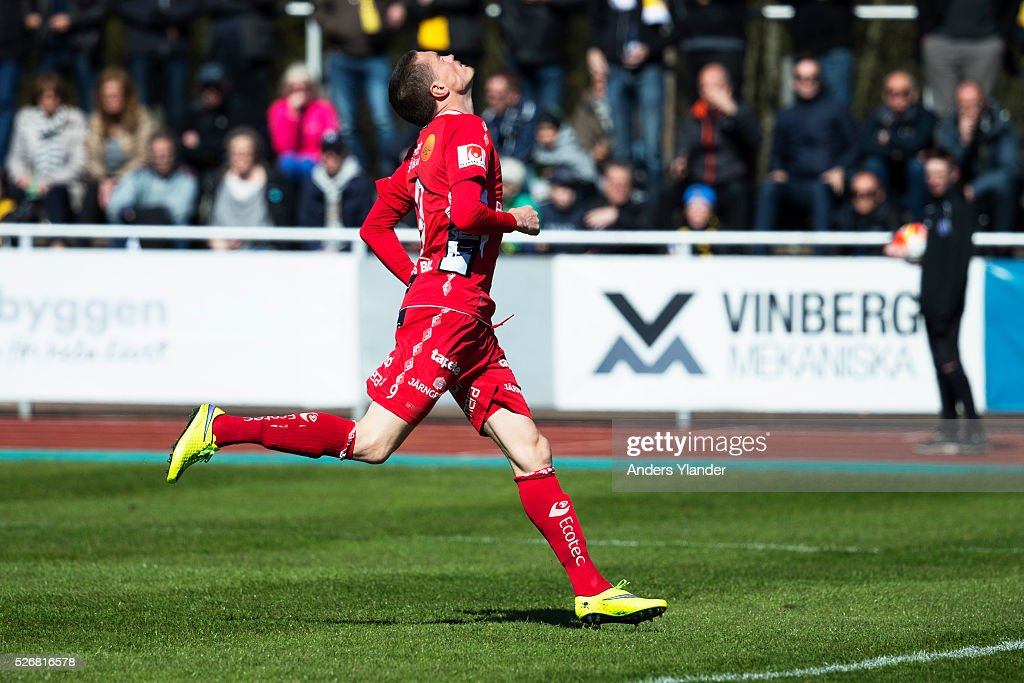 Lars Nilsson of IF Elfsborg looks dejected during the Allsvenskan match between Falkenbergs FF and IF Elfsborg at Falkenbergs IP on May 1, 2016 in Falkenberg, Sweden.
