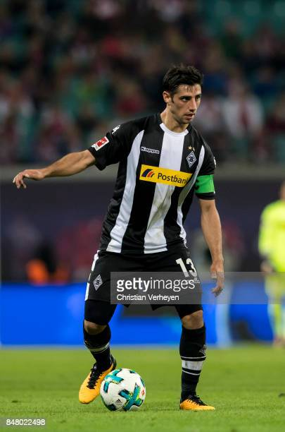 Lars Stindl of Borussia Moenchengladbach controls the ball during the Bundesliga match between RB Leipzig and Borussia Moenchengladbach at Red Bull...
