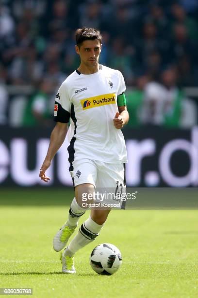 Lars Stindl of Moenchengladbach runs with the ball during the Bundesliga match between Borussia Moenchengladbach and SV Darmstadt 98 at BorussiaPark...