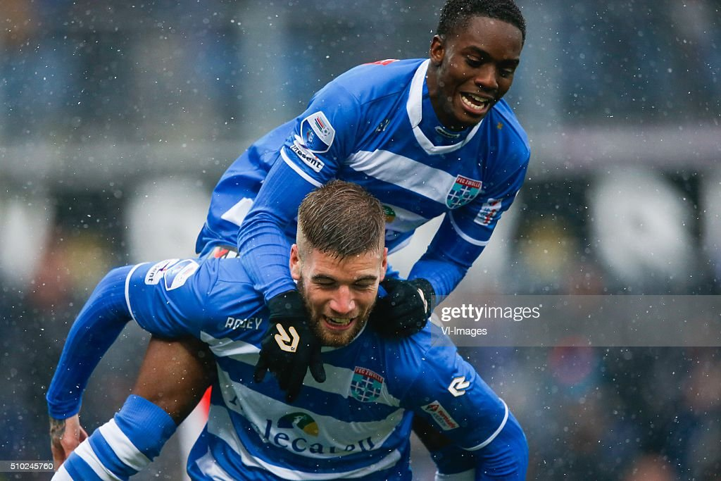 Lars Veldwijk of PEC Zwolle, Queensy Menig of PEC Zwolle during the Dutch Eredivisie match between PEC Zwolle and Feyenoord Rotterdam at the IJsseldelta stadium on February 14, 2016 in Zwolle, The Netherlands