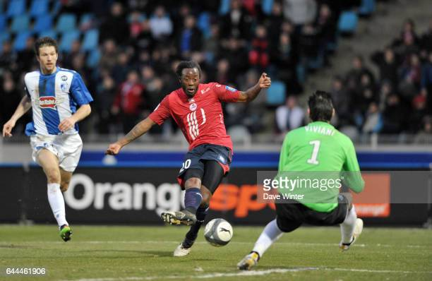 Larsen TOURE / Jody VIVIANI Lille / Grenoble Ligue 1 28eme journee Photo Dave Winter / Icon Sport
