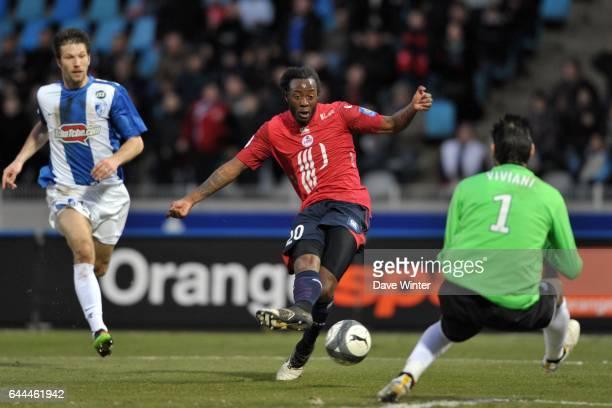 Larsen TOURE / Jody VIVIANI Lille / Grenoble Ligue 1 28eme journee Stadium Nord Villeneuve D'ascq Photo Dave Winter / Icon Sport