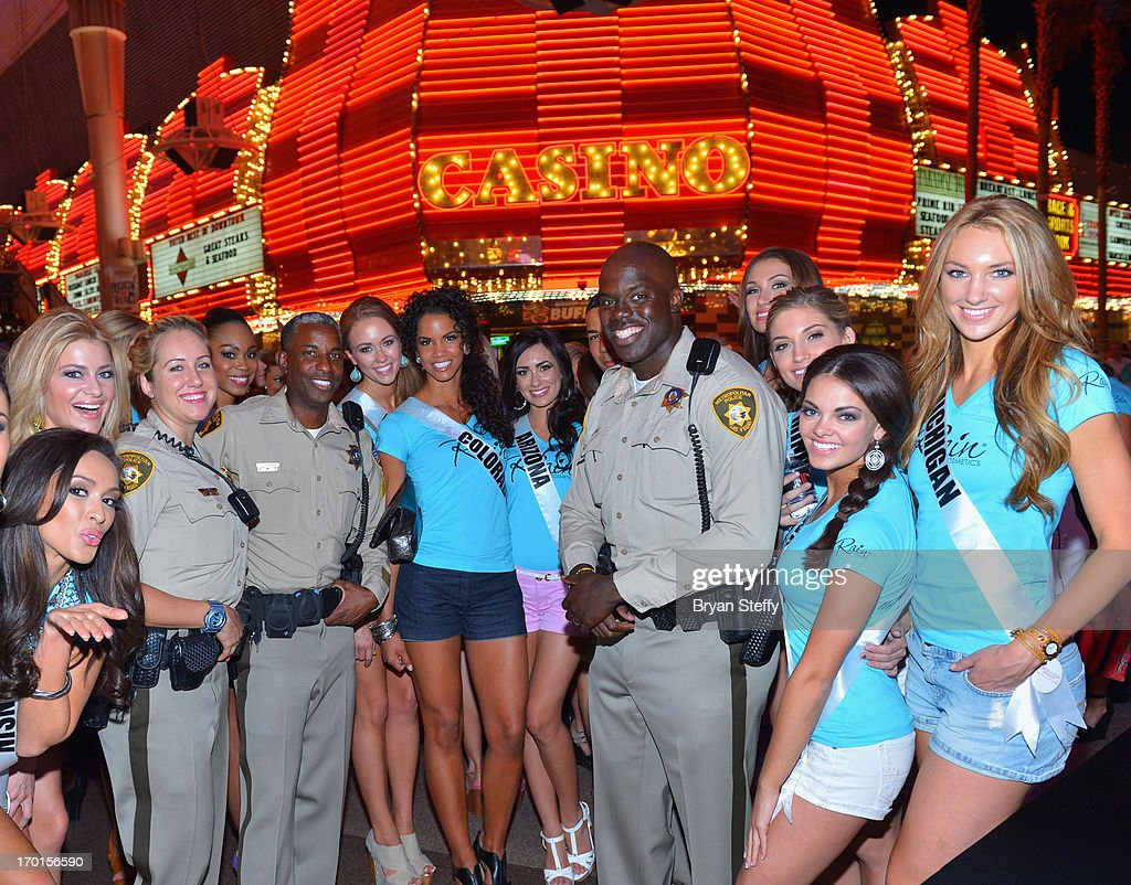 Las Vegas Metropolitan Police Department officer Mandi Frey Las Vegas Metropolitan Police Sergeant and television personality Tom Jenkins and officer...