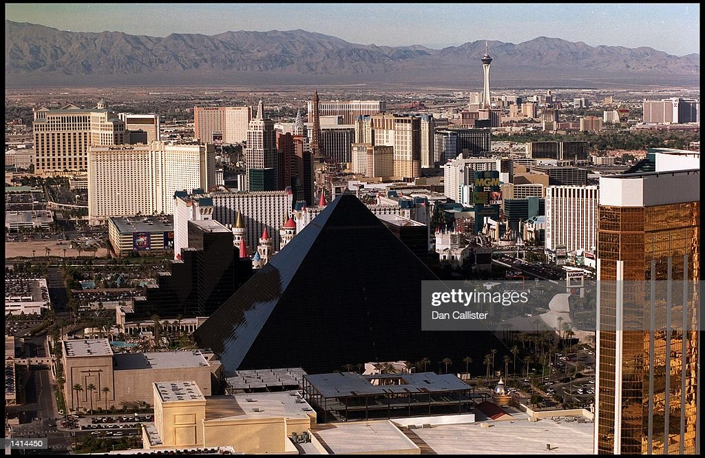 E367077. 04/04/00. Las Vegas, Nevada. The Luxor Hotel on the Las Vegas Strip in the Nevada Desert. Picture by DAN CALLISTER Online USA Inc