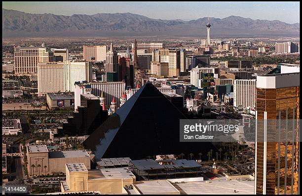 E367077 04/04/00 Las Vegas Nevada The Luxor Hotel on the Las Vegas Strip in the Nevada Desert Picture by DAN CALLISTER Online USA Inc