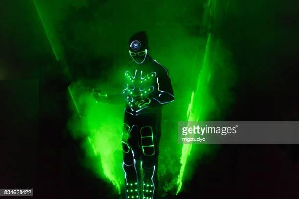 prestation sur scène laser homme