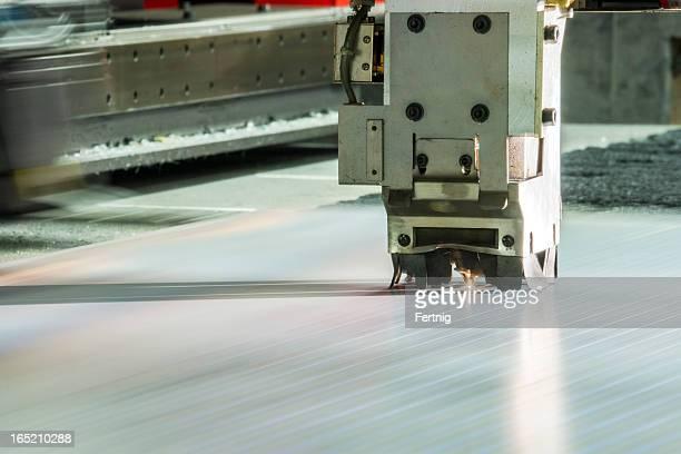 Laser taglio del metallo, utensili CNC funzionamento