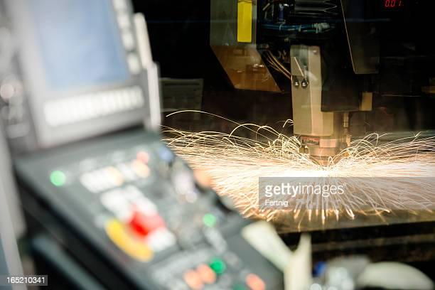 CNC, laser taglio metallo-macchina di produzione.