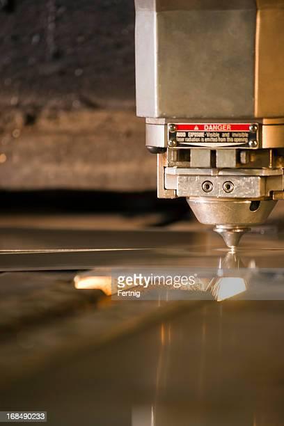 Laser taglio al plasma di metallo dell'utensile in funzione