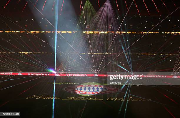 Lasershow nach dem Spie in der Allianz Arena 1 Bundesliga Fussball FC Bayern München Hamburger SV 31 Saison 2013 / 2014