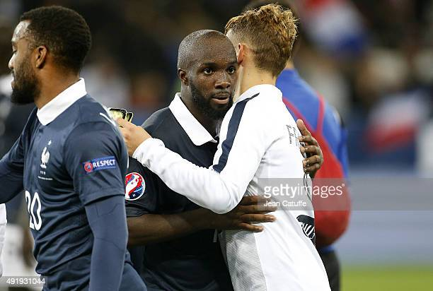 Lassana Diarra of France greets his teammates after the international friendly match between France and Armenia at Allianz Riviera stadium on October...